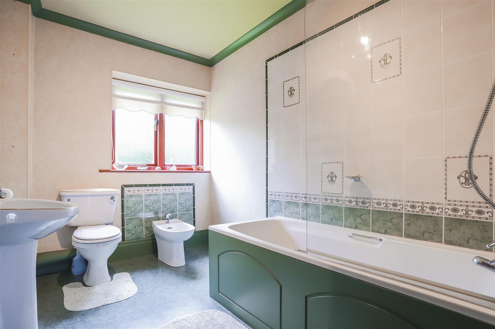 4 Bedroom Detached House For Sale - Image 46